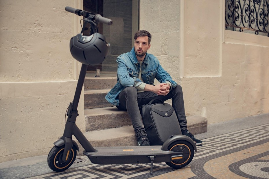Trotineta electrica Ninebot by Segway KickScooter MAX G30 - parcata